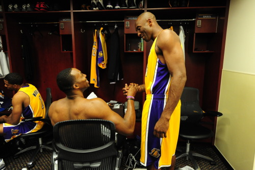 basketballfan4life:  Kobe x Dwight  Hey boy, you stand up when Kobe addresses you!