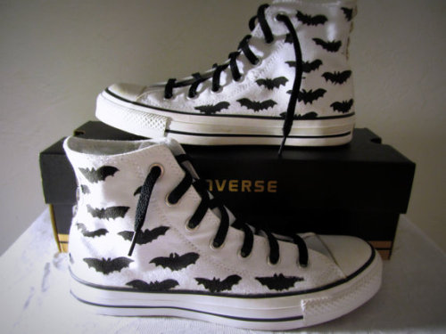 gothetsyfinds:  Customized Bat Converse High-tops: http://www.etsy.com/shop/ATadBitBatty