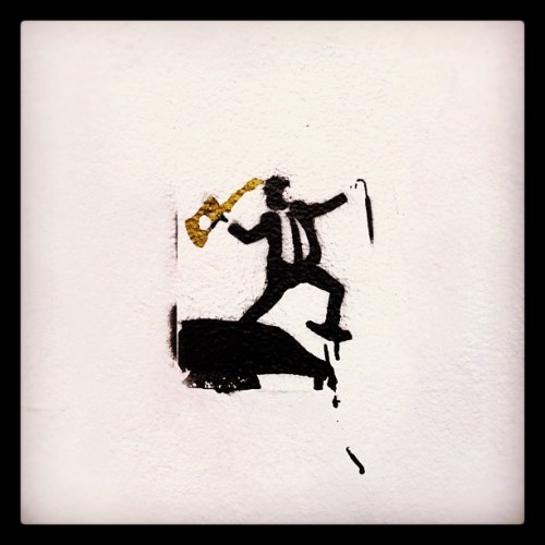 Street Art (Stencil). Rue Foyatier (Haut Montmartre / Paris XVIIIème) #instagramhub #picoftheday #instamood #bestoftheday #jj_forum #igers_france #igersfrance #paris #gfoftheday #gf_daily #gf_france #photooftheday #streetart #stencil #foyatier #montmartre  (Pris avec Instagram)