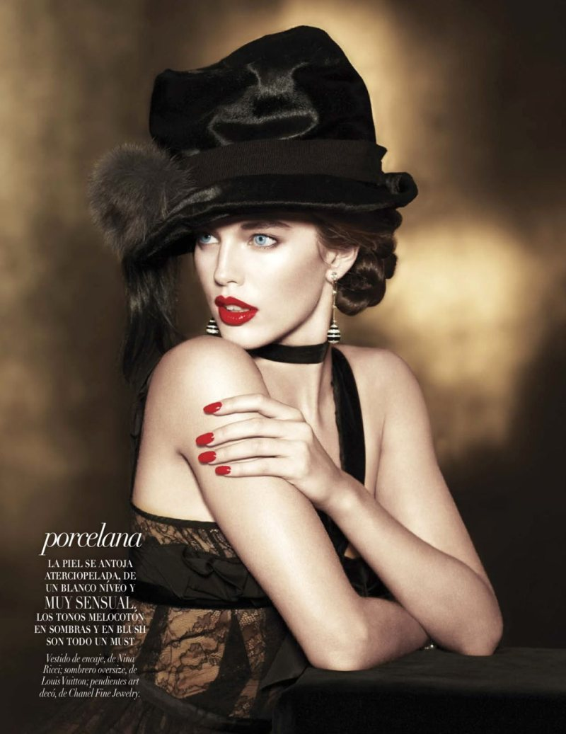 d-elicatebeauty:  Emily DiDonato by Matthew Scrivens for Vogue Latin America AW 2012