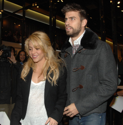 singer Shakira revealed sheis expecting a boy with her Spanish footballer fiance, Gerard Piqué [via RTL ]