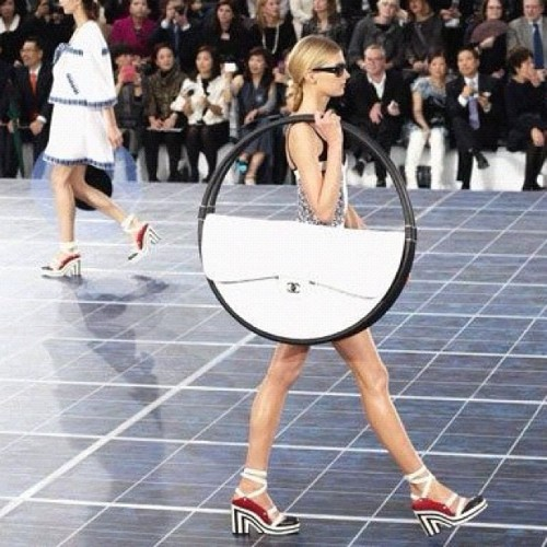 I'm not too sure about this hula hoop like bag from @chanel SS13. Thoughts? #chanel #chanelbag #fashion #runway #likeforlike #crazyfashion  (Taken with Instagram)