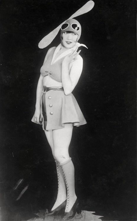 etund:  A carnival costume, Berlin, 1928