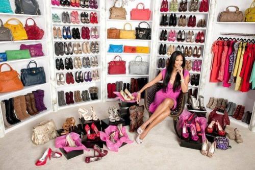 kugati kugati.com accessories shoes walkin closet closet bags walk-in closet women stuff women closet wardrobe