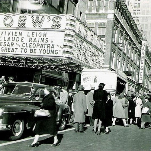 fuckyeahvintage-retro:  The Loew's State Theatre in Newark, NJ (1946)
