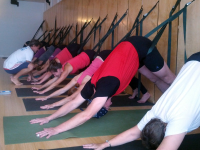 first-rope-wall-workshop-at-evolve-yoga-wellness