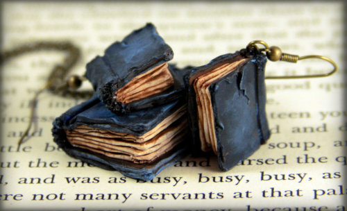 little black books, i'm in looooove bookporn:  Beloved Books Jewelry Set by Neverland Jewelry