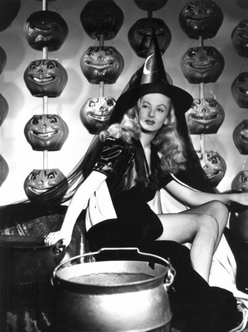 "Veronica Lake - Publicity photo for ""I Married A Witch"" (1942)"