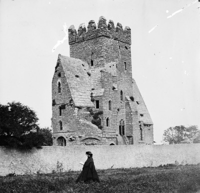 Any ideas? Yes! St. Doulagh's Church on the Malahide Road, Dublin by National Library of Ireland on The Commons on Flickr.