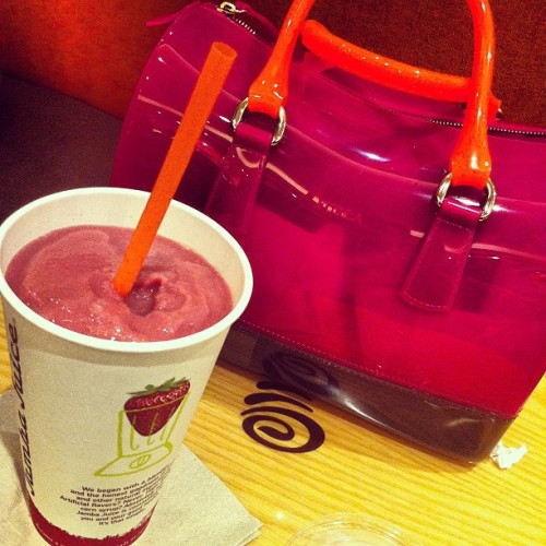 #jambajuice on a rainy day :) (Taken with Instagram at Jamba Juice)