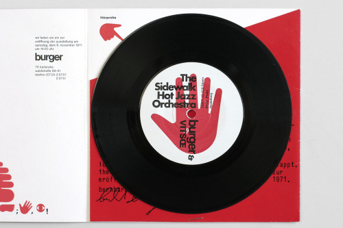 Image of the Day: A record for Sidewalk Hot Jazz Ochestra, produced by furniture manufacturer Vitsœ in 1971. Much more to be found in the new Tumblr of Vitsœ ephemera. (via Selectism)