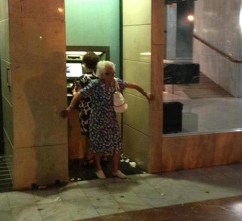 ihatemyparents:  ATM Security  Seriously grandma?       (via TumbleOn)