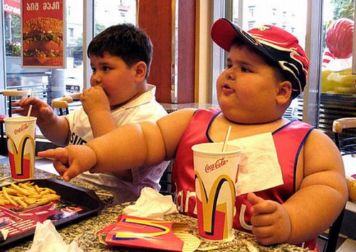 i had a birthday party at mcdonald's when i was really young, i remember being very excited, but i can't remember why. maybe it was the cake covered in sugary versions of grimace and the hamburgler. or perhaps it was simply because it was my birthday. josephdenne:  Fast-food logos burned into pleasure center of children's brains A study has found that fast-food logos are branded into the minds of children at an early age, perhaps fueling the West's obesity epidemic. The study showed children 60 logos from popular food brands and 60 logos from popular non-food brands. Researchers found that, when shown images of fast-food brands, the parts of kids' brains linked with pleasure and appetite lit up. This is concerning because marketers tap into those portions of the brain long before children develop self-control, and most foods marketed to kids are high in calories, sugar, sodium, and fat.