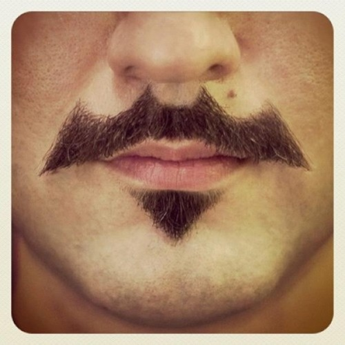 Nananananananana Batstache! (via FashionablyGeek)