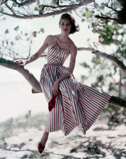 hoodoothatvoodoo:  The perfect summer striped dress and red stiletto mules, 1957. Photo by Roger Prigent