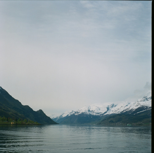 Hardangerfjord by sundays and tea on Flickr.