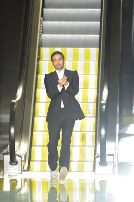 Marc Jacobs at the Louis Vuitton finale - Paris Fashion Week.  (photo via style.com)