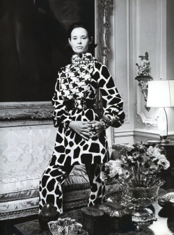 Gloria Vanderbilt wearing Bill Blass, photographed by Francesco Scavullo