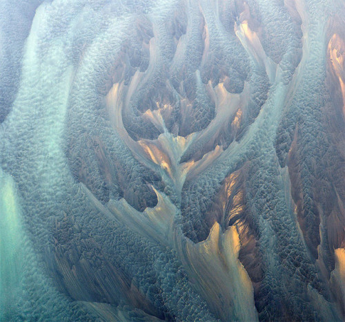 (via Aerial Photographs of Volcanic Iceland by Andre Ermolaev | Colossal)