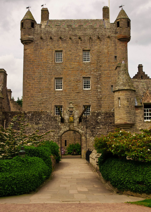 ukimages:  Grand Entrance (by 2bpencil) Cawdor Castle, Scotland