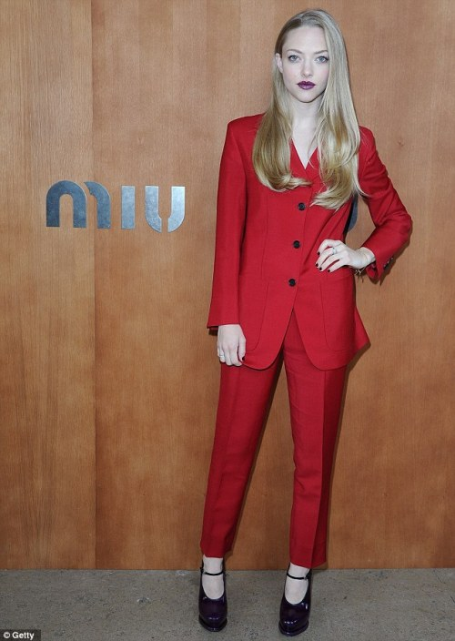 Amanda Seyfried at the Miu Miu Front Row; Paris, France I absolutely love this look. Boyish suits are very trendy this season and will be even bigger next season, thanks to Prada :) I even love the shoes, they are so quirky and stylish. I think Amanda fully went for it and wasn't affraid of taking risks. Well, I love this risk!