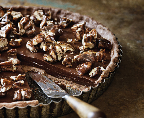 lacuisine:  Sea-Salt Chocolate and Pecan Tart