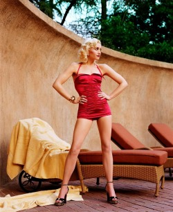 Gwen Stefani photographed by Steven Meisel for Vogue | April 2004 43 and still looking fab. Happy birthday Gwen!