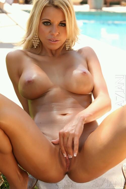 Nicole graves strip club