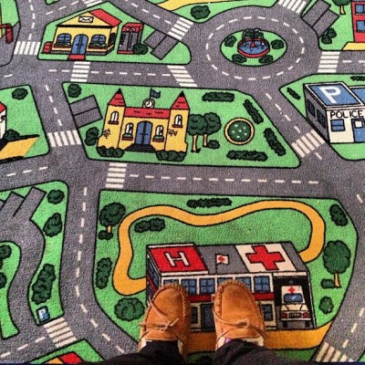 mandyohbaby: Who else had this as a kid!?! #childhood #racetrackcarpet #throwback #memories #iwasatomboy (Taken with Instagram)  i did! i did!=====