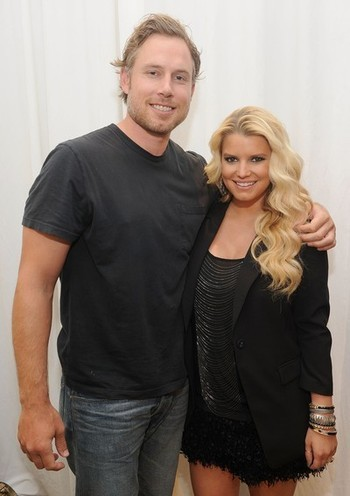 Eric Johnson Cheating On Jessica Simpson With Ex-Wife? Is Jessica Simpson in another bad relationship? Her fiance, former NFL player Eric Johnson, allegedly slept with Simpson and his ex-wife Keri Johnson at the same time. But this isn't that surprising since Eric was still married to Keri when him and Simpson met at a mutual friend's house in Los Angeles. Eric even brought Keri with him as his date! Read more at Mstarz