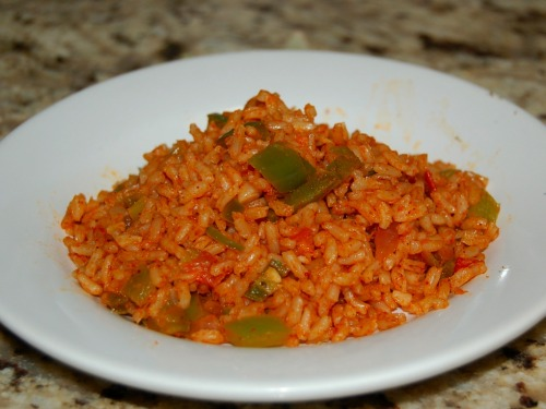 ALERT: HARDCORE MEXICANFOODPORN!!! Arroz con tomate! Mexican Tomato rice… oh man this dish when done right, could send you to the future, past and present all in one bite.