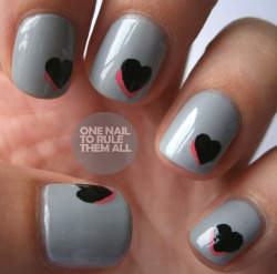 onenailtorulethemall:  Some simple grey hearts, read more on the blog