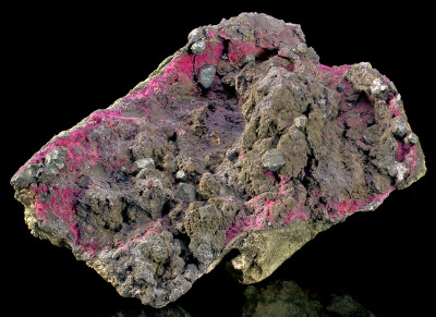 mineralia:  Acanthite on Erythrite from Canada by Exceptional Minerals