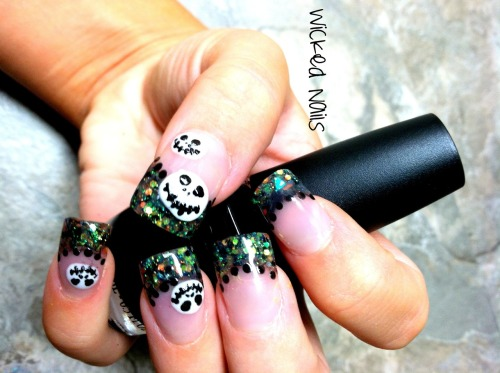 Jack Skellington Halloween acrylic nails with custom glitter mix! Can't wait to get my nail art tools so those lines can be a bit cleaner… (cough cough)