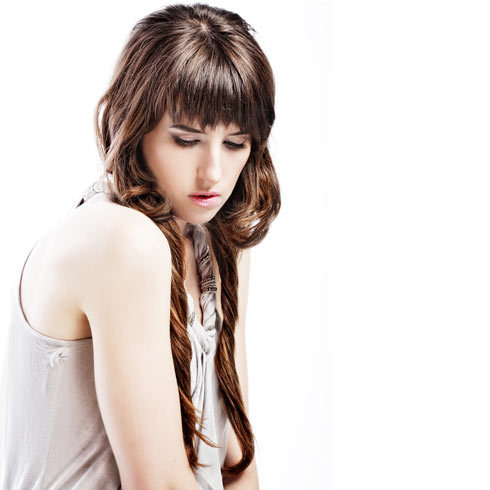 Long Hair with Short Layers For a an edgy layered hairstyle, try long hair with short layers! These looks combine short layers that frame the face with medium to long hair. You get two looks in one. Wear hair back for the effect of shorter hair or wear it down to show off full length. Now check out these pictures of long hair with short layers for 3 totally different ways to wear this look.