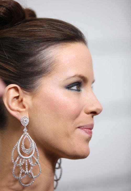 Kate Beckinsale Indian-Inspired Earrings - 2009