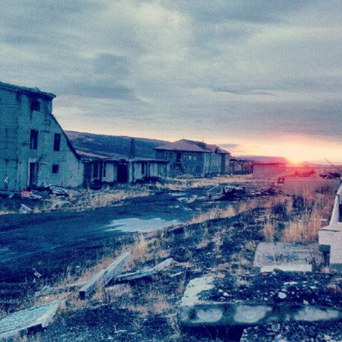 Ghost city sunset #Chukotka #city #town #ghost #lost #military #porusski #sunset #north #photooftheday #photomania #instaddict  (Taken with Instagram at Гудын)