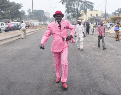 anotherafrica:  Brazzaville Sartorialists, Le Sape. Photography by Daniele Tamagni, from Gentleman of Bacongo series. | learn more Image courtesy of the artist. All rights reserved.