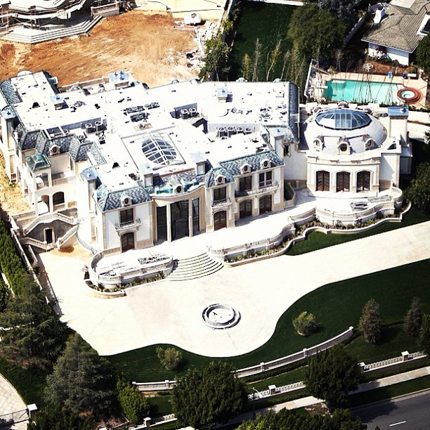 Any takers? $30 million! #beverlyhills #aerial #mansion #luxury #design #architecture #money #expensive  (Taken with Instagram)