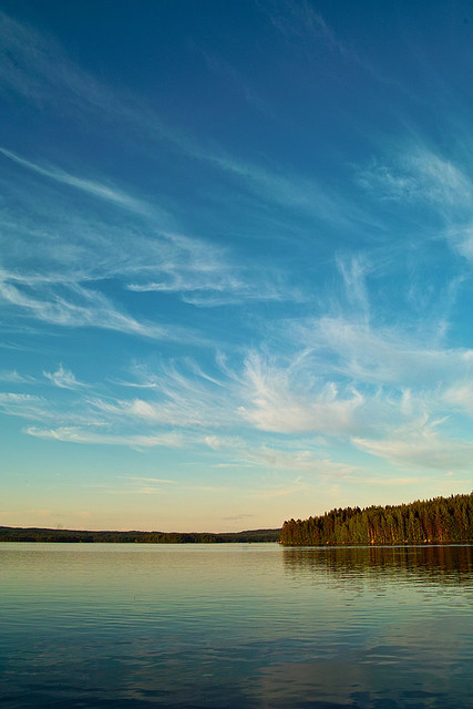 Lake Keitele and it's beautiful clouds by TTH1725 on Flickr.