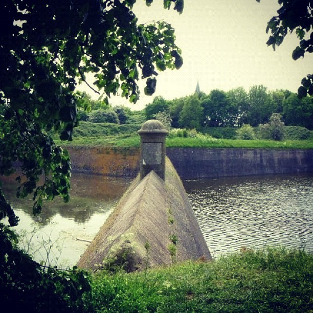 #naarden #netherlands #fort #canal #green #nature #adventuring (Taken with Instagram)
