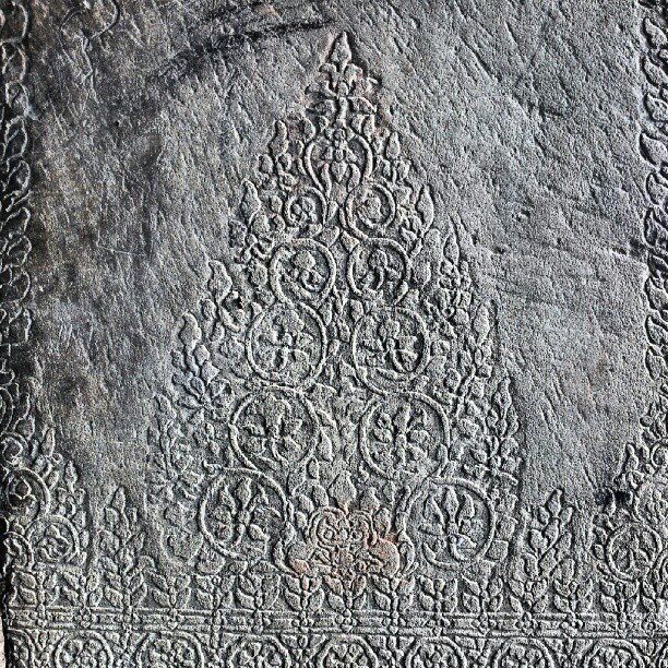 In #AngkorWat, there are detail #carving in every inch of the building. This is one example.  #AngkorArcheologicalPark #SiemReap #Cambodia #nofilter #froyolava #instagram #instagramer #instagramers #instamood #instadaily #instadroid #instapop #instagood #instago #instagroove #andrography #andrographer #fotodroids #fotodroindo #droidkameraindo #bestoftheday #picoftheday #photooftheday #ig_nesia #photodroids (Taken with Instagram)