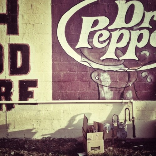 #ghostsign in #memphis #tennessee  (Taken with Instagram at J&H Food Store)