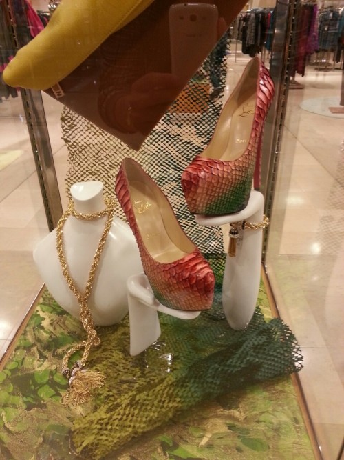 kinglouboutin-son:  Yes Yes Yes #louboutin #christianlouboutin  I WANT!!