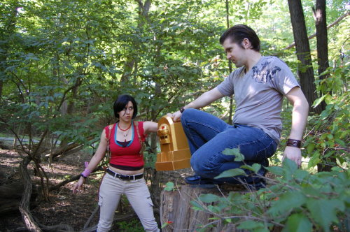 drderange:  Sigh. Flynn got the Idol. Cosplayers are: Chloe Frazer. Harry Flynn. Idol made by ZestyPizza. Photography by Andraiatower.