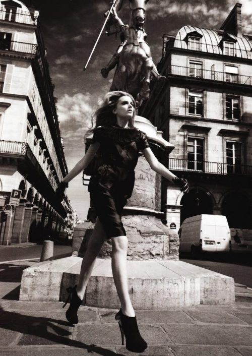 Lily Donaldson Ⓒ Patrick DemarchelierVogue UK 2009