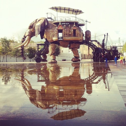Reflet du Grande Éléphant (Taken with Instagram at Les Machines de l'Île)