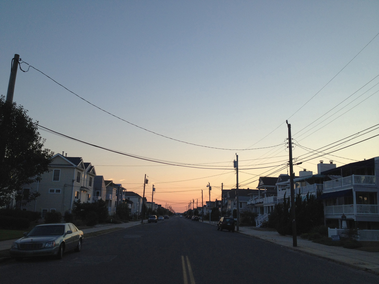 looking south on wesley avenue, ocean city, nj 6:45 pm, 68° 5 miles