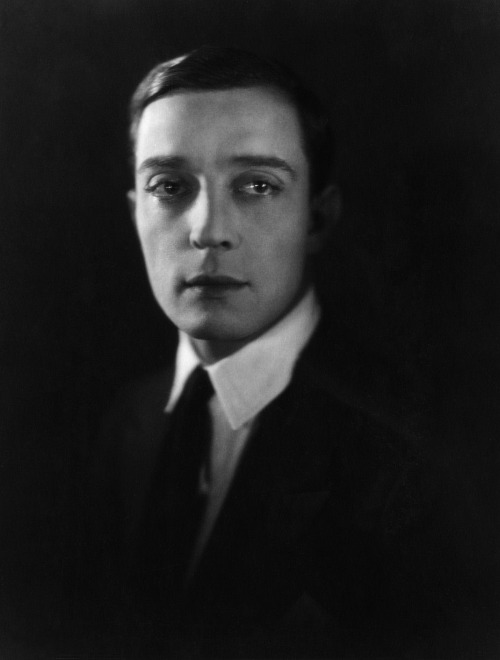 twcfs:  Happy posthumous birthday Buster Keaton.
