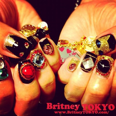 Black and Gold Egyptian cat nail art by Britney TOKYO ☆  ✌ ✿ ✡ ✟ ☺ ✞ TOKYO meets HOLLYWOOD ✞ ☺ ✟ ✡ ✿ ✌